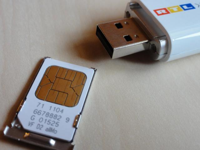 Huawei E160E RTL Surfstick SIM-Karte